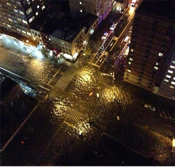 Image:2012-10-28 New York 34th 1st flooding.jpg